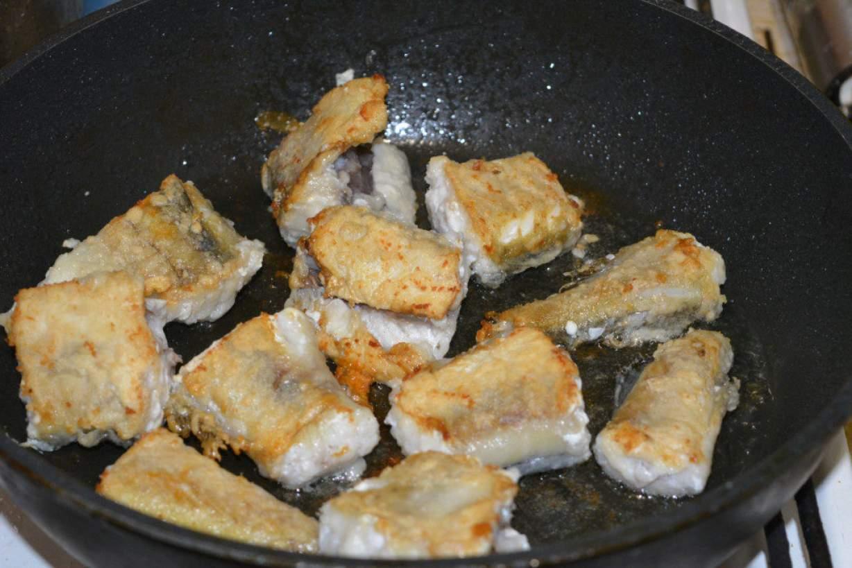 Как рыбу пожарить минтай на сковороде рецепт с простой рецепт с