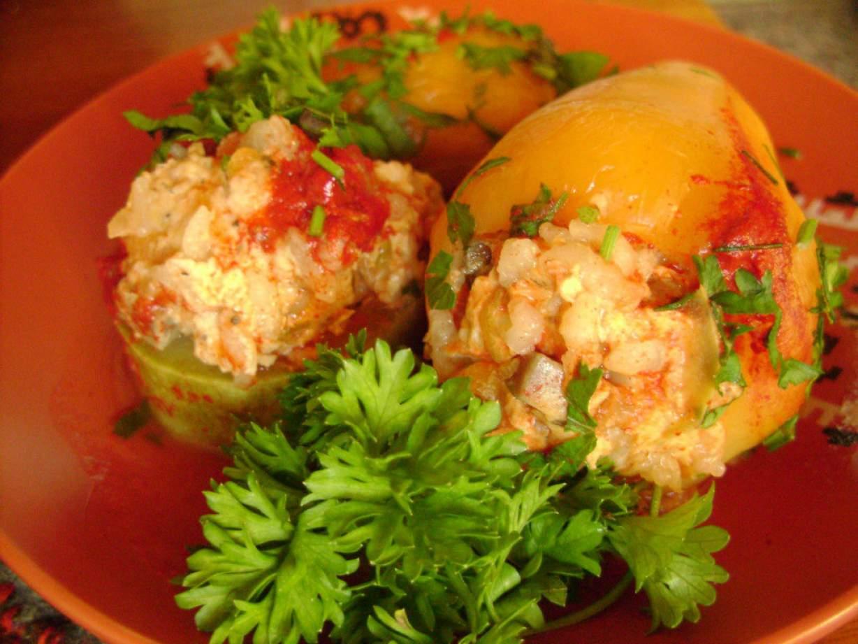 Перец, фаршированный мясной начинкой - пошаговый рецепт с