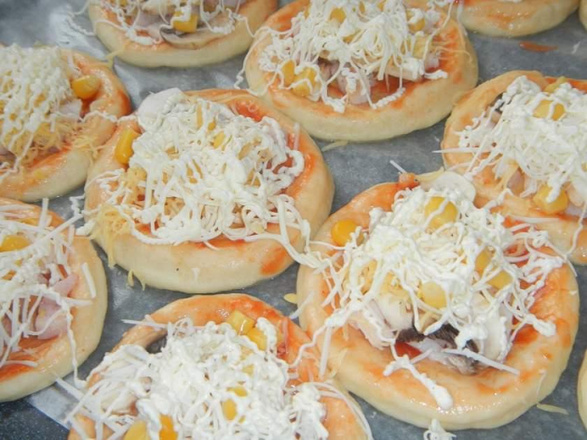 Вкуснейшая пицца из дрожжевого теста рецепты 41